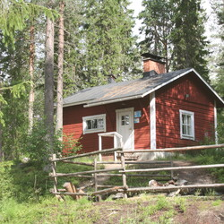 Finnish sauna experience at a genuine lumberjacks' lodge