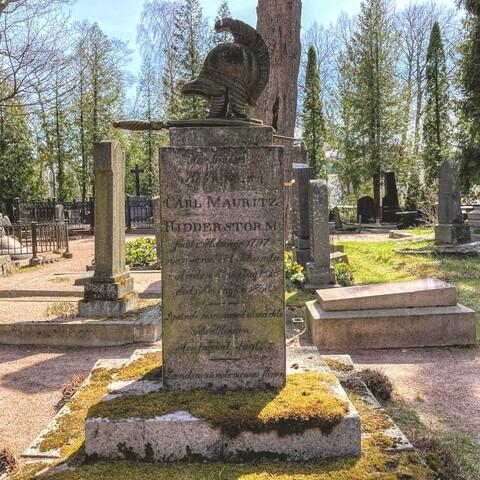Lovely walk at Hietaniemi Cemetery