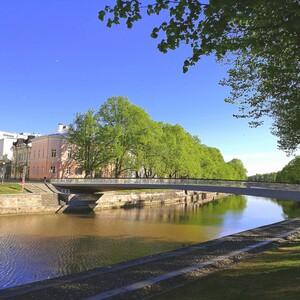 Kävely Auran rannoilla livenä, Turku