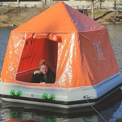 Kelluva teltta