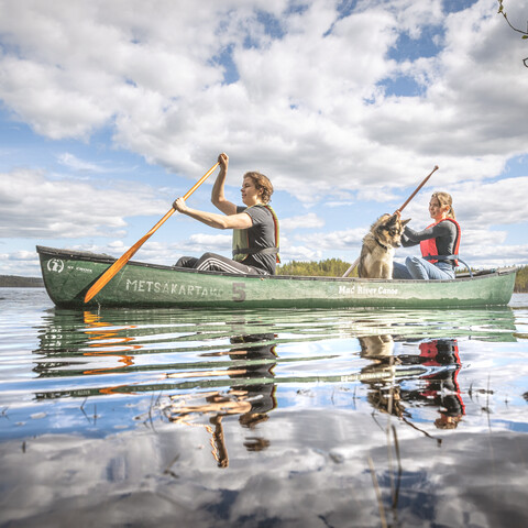 Canoeing on the lake Ylä-Keyritty
