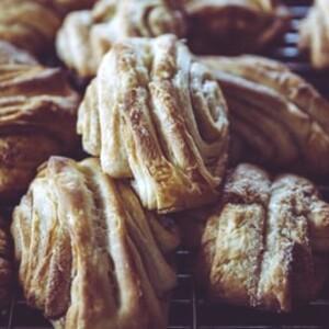 Let´s bake traditional Finnish cinnamon buns, Jyväskylä