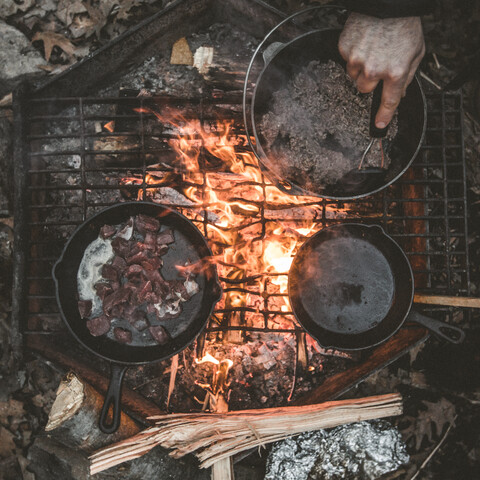 A cooking course using open fire