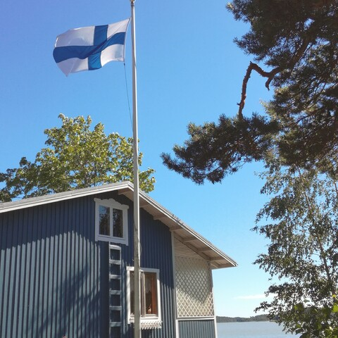 BBQ and Sauna Night in a traditional Finnish cottage by the sea