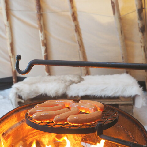 Relaxing Rovaniemi Ice Fishing Experience with Ben