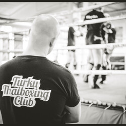 Experience Muay Thai with local
