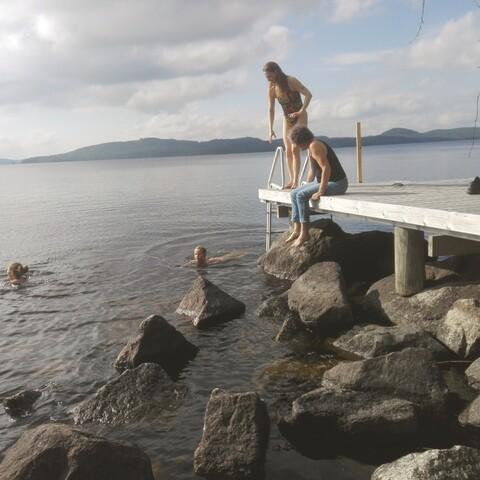 Upea päivä saunoen ja Päijänteen aalloilla keinuen