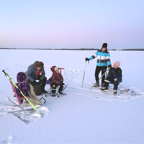 Kicksledding on ice and snow - safari in Karelian wilderness