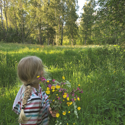 Mindful Nature Walk with Happiness Boost