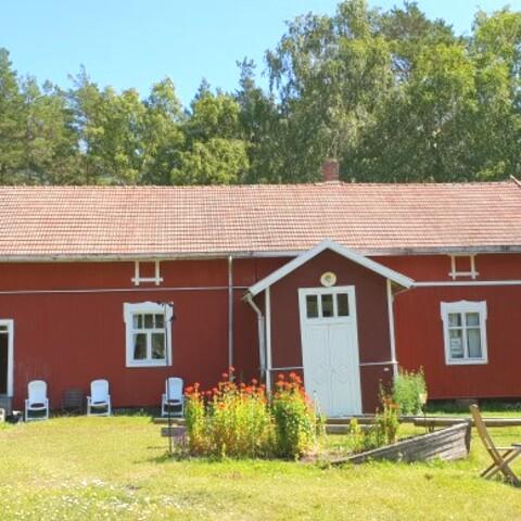 Kyaking trip to Päiväranta in Rauma Archipelago (6h)