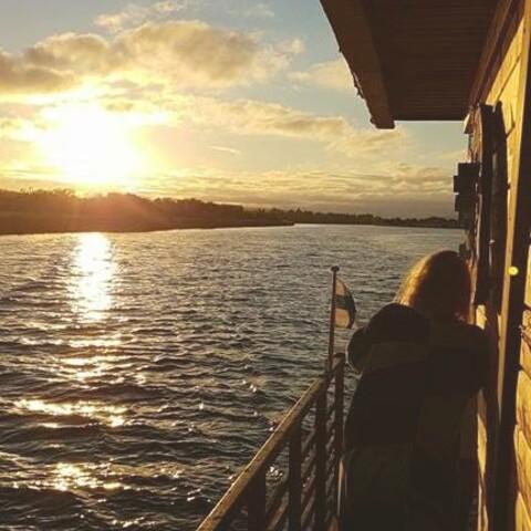 Private sauna boat cruise