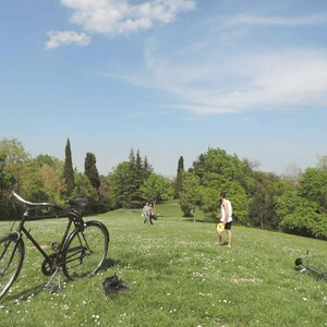 Bike tour and sunset on the hill, Bologna