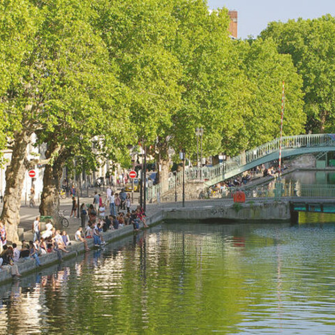 Bike ridding frm Canal St Martin until La Villette park