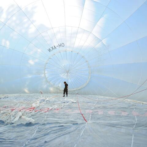 Hot air balloon flights (1-4 persons)