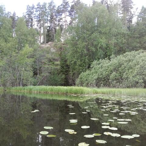 Tarinallinen melontaretki Räikälänjoella