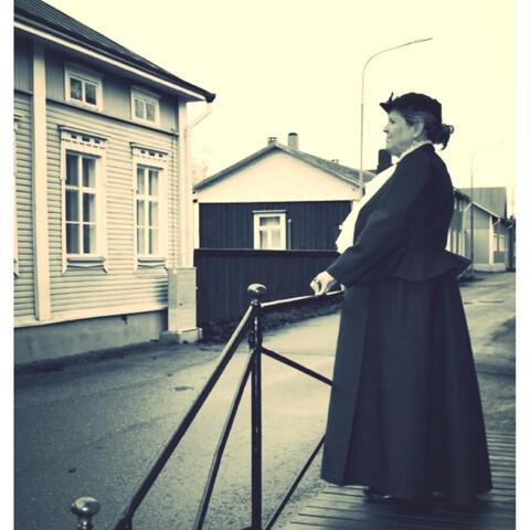 Walking with Lady Starck in Kristiinankaupunki