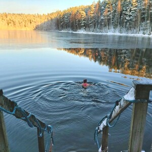 Ice swimming with your local guide in beautiful Lake Ahvenisto, Hämeenlinna