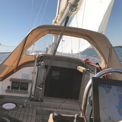 Romantic sailing trips