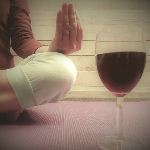 Wine/ sparkling wine / beer yoga
