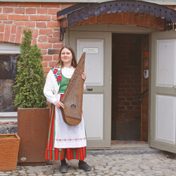 Toivola Old Yard: wooden houses, stories and music