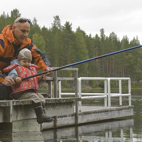 Isä-lapsi kalastusretki Rokualle