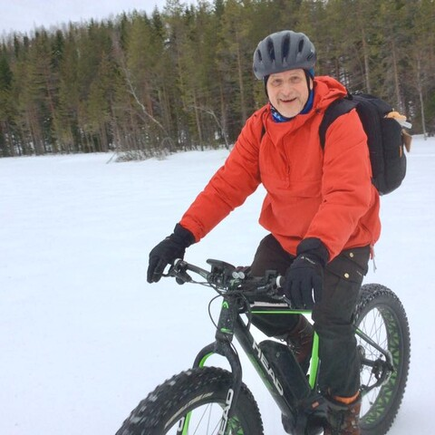 Helsinki tour with electric bicycles