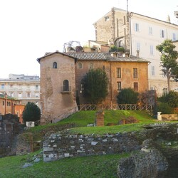 Taste, visit and discover the unknown corners of Rome