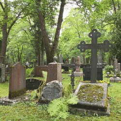 Hautausmaa: Makkaramestarista salvusälliin