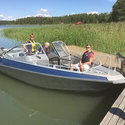 Från Hotel Stallbacken i Nagu till Korpoström med motorbåt