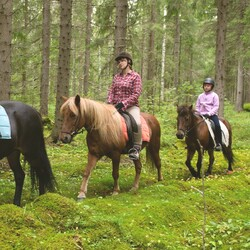 Riding retreat with horses