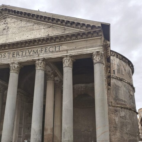 Pantheon and Trevi fountain virtual tour in Rome