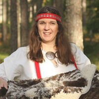 Textile Magician Jenni Vanhanen